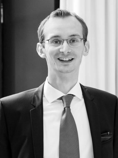 Dr. Hartmut Kahl
